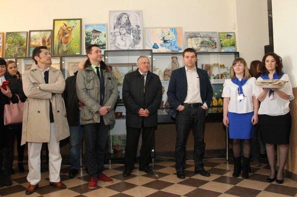 http://dunrada.gov.ua/uploadfile/archive_news/2019/04/03/2019-04-03_4387/images/images-48546.jpg