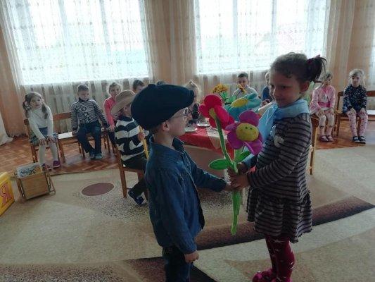 http://dunrada.gov.ua/uploadfile/archive_news/2019/05/15/2019-05-15_6825/images/images-57002.jpg