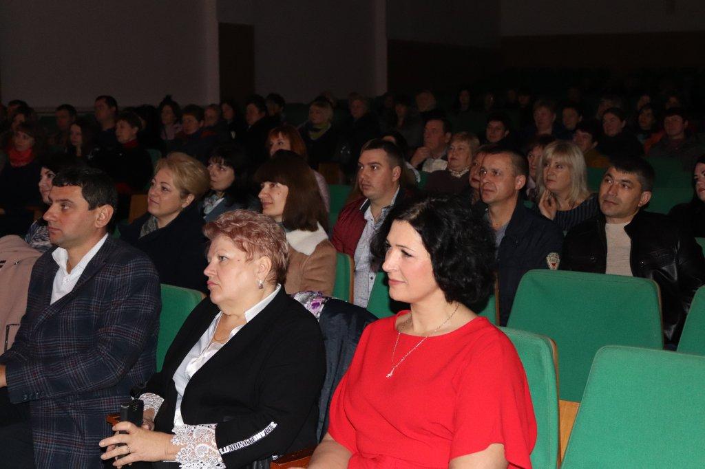 http://dunrada.gov.ua/uploadfile/archive_news/2019/11/08/2019-11-08_8778/images/images-36380.jpg