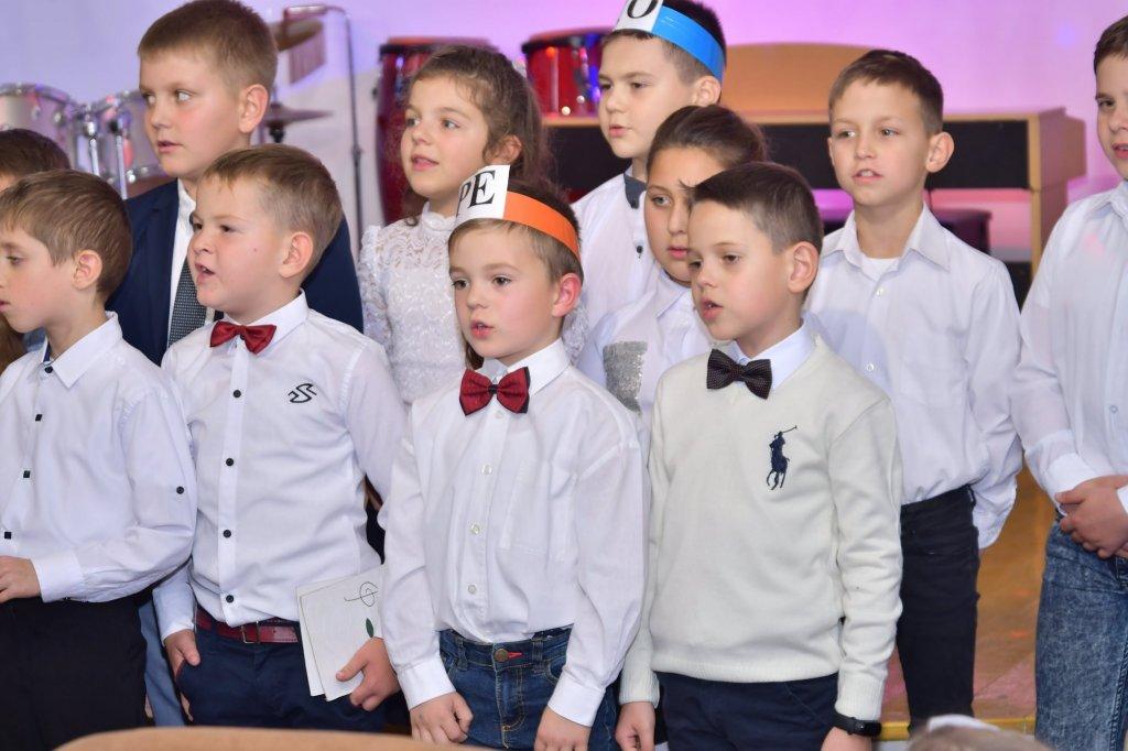 http://dunrada.gov.ua/uploadfile/archive_news/2019/11/15/2019-11-15_5741/images/images-98145.jpg