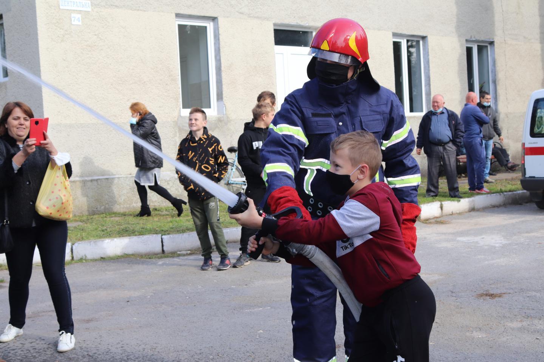 http://dunrada.gov.ua/uploadfile/archive_news/2020/10/15/2020-10-15_4382/images/images-85439.jpg